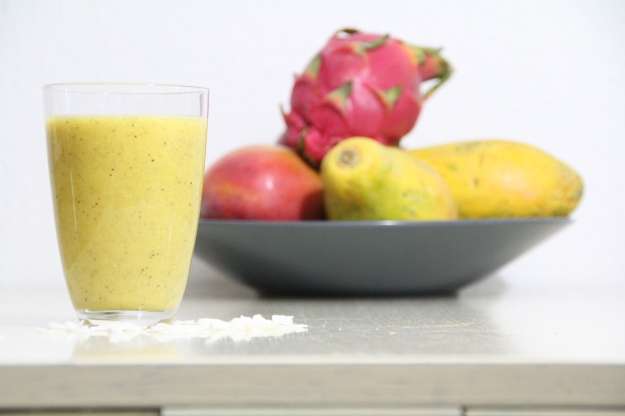 Ananas-Orangen-Cocos Smoothie (vegan, roh)