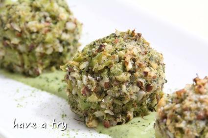 Matcha-Brokkoli-Bällchen (vegan, glutenfrei)