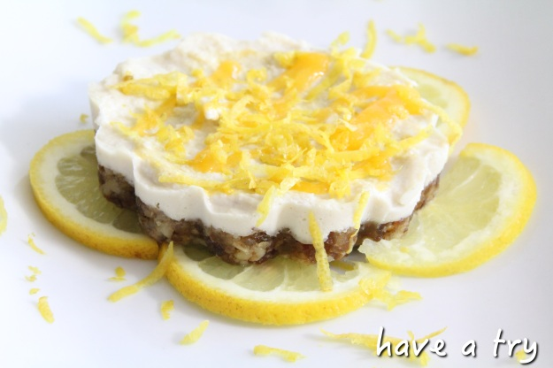 Raw-vegan Lemon Cheesecake (Zitronen-Cheesecake, roh-vegan)