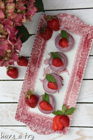 Eis-Erdbeertörtchen mit Açai (roh-vegan, glutenfrei)