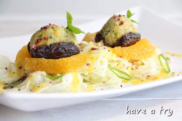 Gefüllte Datteln (Kichererbsen mit Koriander und Minze) dazu Fenchelsalat mit Mango-Orangendressing (vegan, glutenfrei)