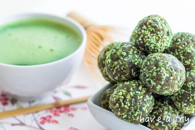Matcha-Chia Kugeln mit Kokos und Maca (roh, vegan, glutenfrei)